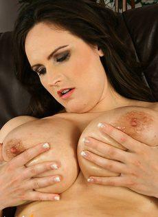Пышная женщина с большимим сиськами - фото #