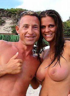 Девушки на пляже - фото #