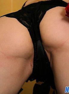 Natalie Sparks светит горячей вагиной - фото #