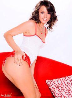 Милая и очень сексуальная девушка - фото #