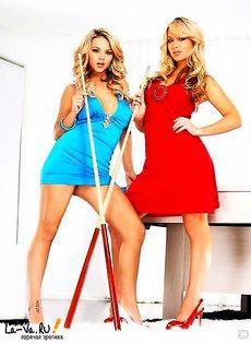 Девушки-красавицы надевают униформу - фото #