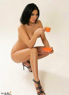 Кофейная принцесса изумительна и сексуальна - фото #