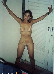 Девушки снимают бикини на камеру - фото #
