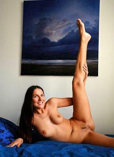 Сузанна страстно желает заняться сексом - фото #