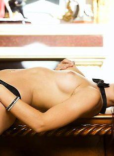 Гламурная деваха хочет трахаться - фото #