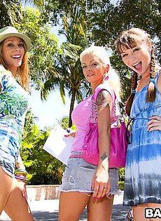Три красивые девушки из Майями и групповушка - фото #