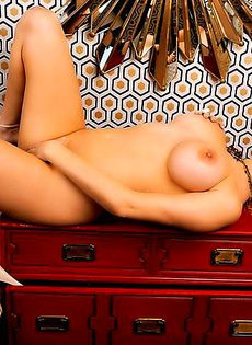Sabrina Maree хочет полностью раздеться - фото #