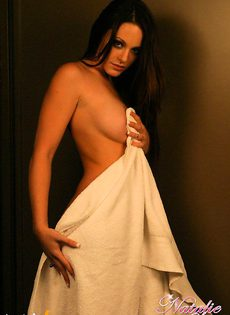 Natalie Sparks любит показывать пизду - фото #