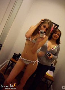 Девушки снимают откровенные фото - фото #