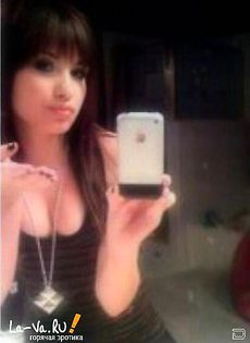 Частные фото девушек, снятые на мобильный телефон - фото #
