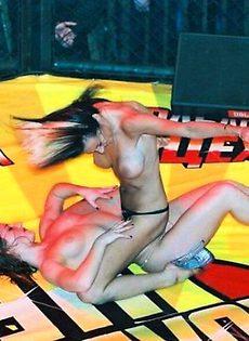 Колбасный цех и его обнаженные девушки - фото #