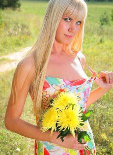 Солнечная блондинка - фото #