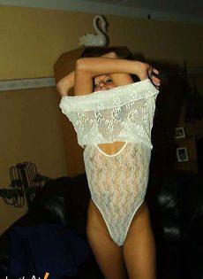 Парень фотает свою девушку во всех позах - фото #