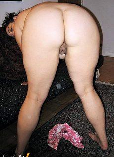 Полная дама мастурбирует - фото #