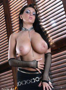 Большегрудая красавица с великолепными формами! - фото #