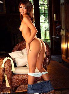 Милая крошка с очень приятным телом! - фото #