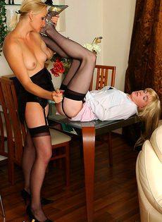Переодет в женщину и трахнут как женщина - фото #