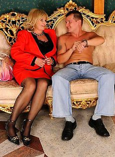 Мужик трахнул женщину 40 лет - фото #