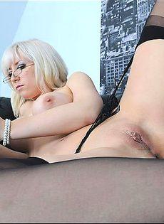 Блондинка готовая на всё - фото #