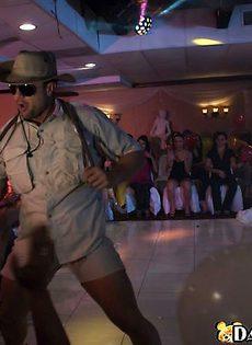 Закрытая вечеринка в ночном клубе - фото #