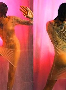 Девушки за стеклом (секси фото) НЮ - фото #