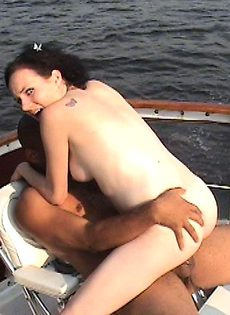 Чёрный член,белая шлюшка - фото #