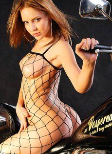 Подружка байкера - фото #