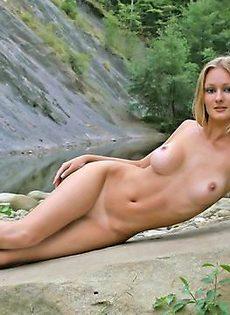 Девушка с красивыми сисями - фото #