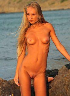 Белокурая русалка - фото #