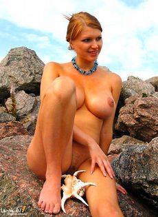 Будущая мамочка на море - фото #