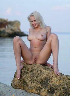 Лия у моря - фото #