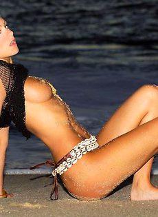 Надя на берегу - фото #