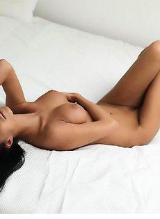 Оксана в спальне - фото #