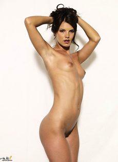 Заводная сексуальная брюнетка! - фото #