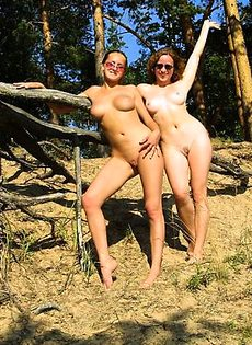 Подружки-лесби на море - фото #