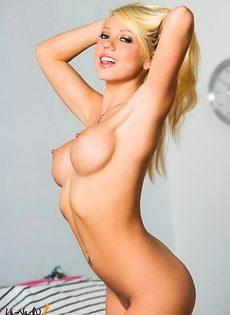 Эта блондиночка сведет Вас с ума! - фото #