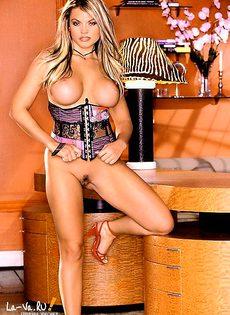 Прекрасная модель с незабываемой грудью! - фото #