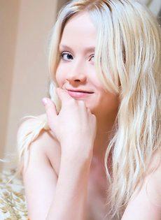 Славная блондинка - фото #