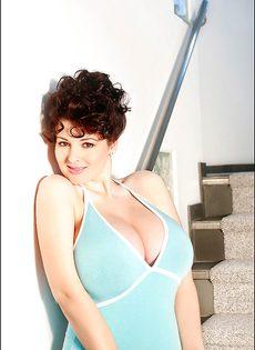 Лорна Морган и ее очень большие дойки - фото #
