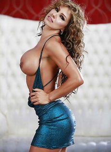 Латиноамериканка Esperanza Gomez с силиконовыми сиськами - фото #