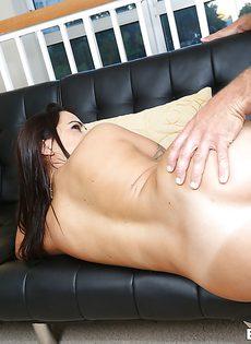 Отменный половой акт с латиноамериканской жопастой сучкой - фото #