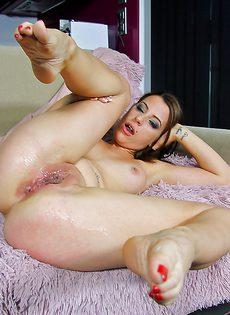 Деловая чертовка Yarissa Duran принимает пенис влагалищем - фото #