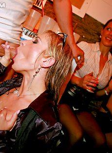 Пьяных девушек очень легко раскрутить на половое сношение - фото #