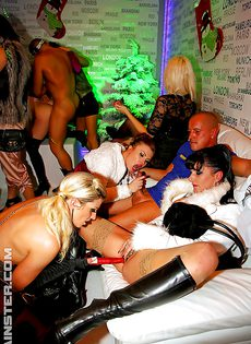 Девчонки на вечеринке захотели группового перепихона - фото #