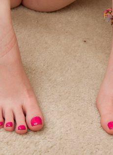 Zoe Nixon очень сильно хочет качественного траха - фото #