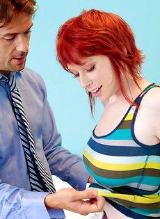 Прекрасный секс с рыжеволосой красавицей Zoe Nixon - фото #