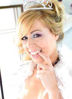 Шальная сучка Zoey Monroe и ее сладенькие дырочки - фото #
