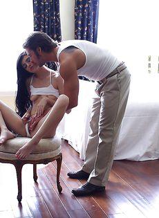 Занимаются очень страстным оральным сексом - фото #