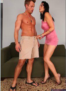 Кончает в ротик женщине после полового сношения - фото #