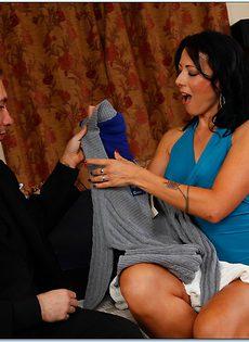 Соблазнительная женщина Zoey Holloway нашла себе любовника - фото #